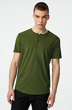 Short-Sleeve Seamed Arm Henley
