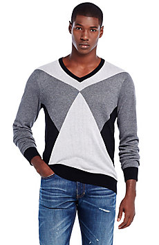Graphic Triangle Vneck