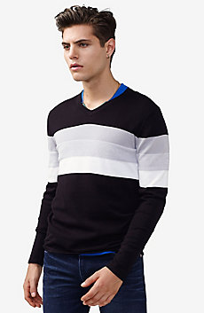 Gradient Stripe V-Neck