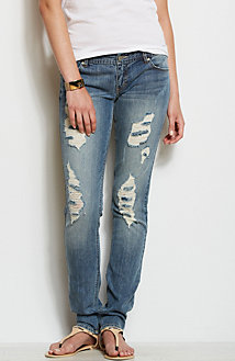 J11 - Destroyed Skinny Jean