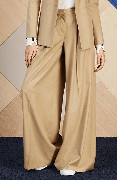 Wide-Leg Pleated Trouser