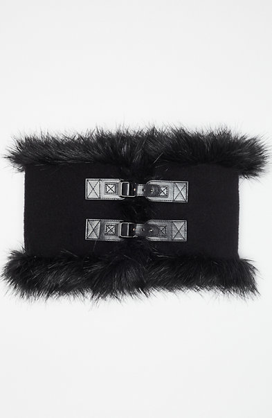Plush Buckle Collar