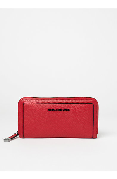 Pebbled Zip Wallet